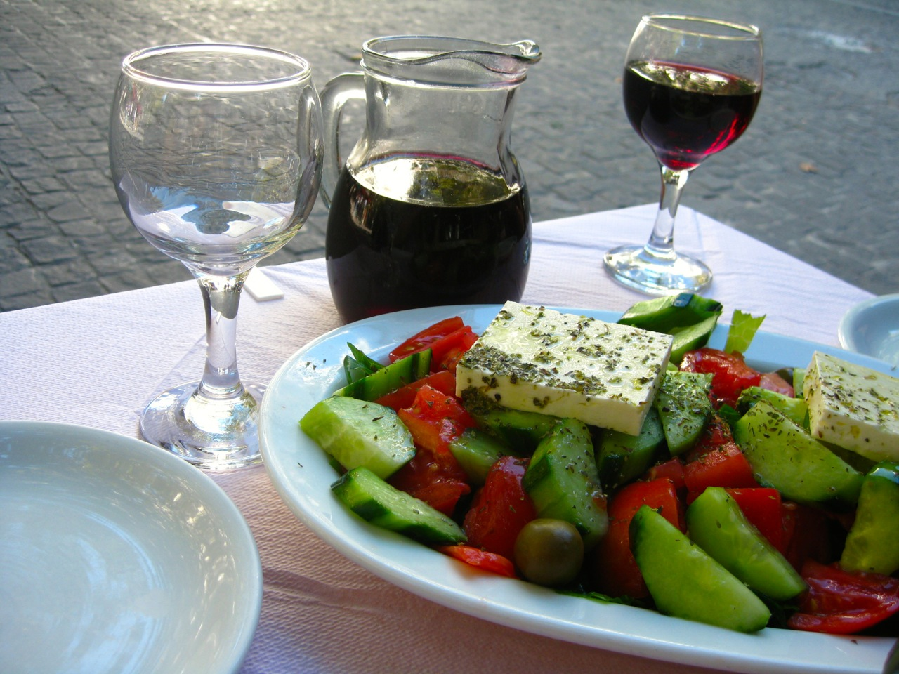 Things to do in Athens for Foodies: Greek Salad