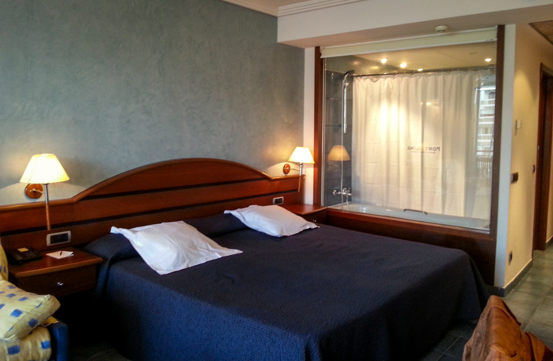Hotel Port Salins Empuriabrava - The Room