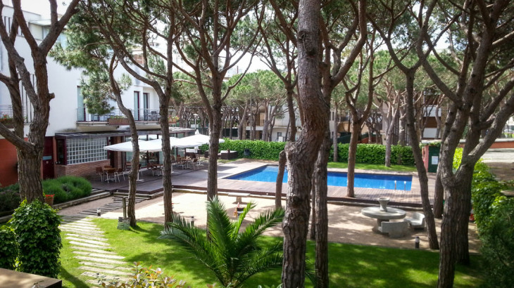 NM Suites Platja d'Aro - Garden and Pool