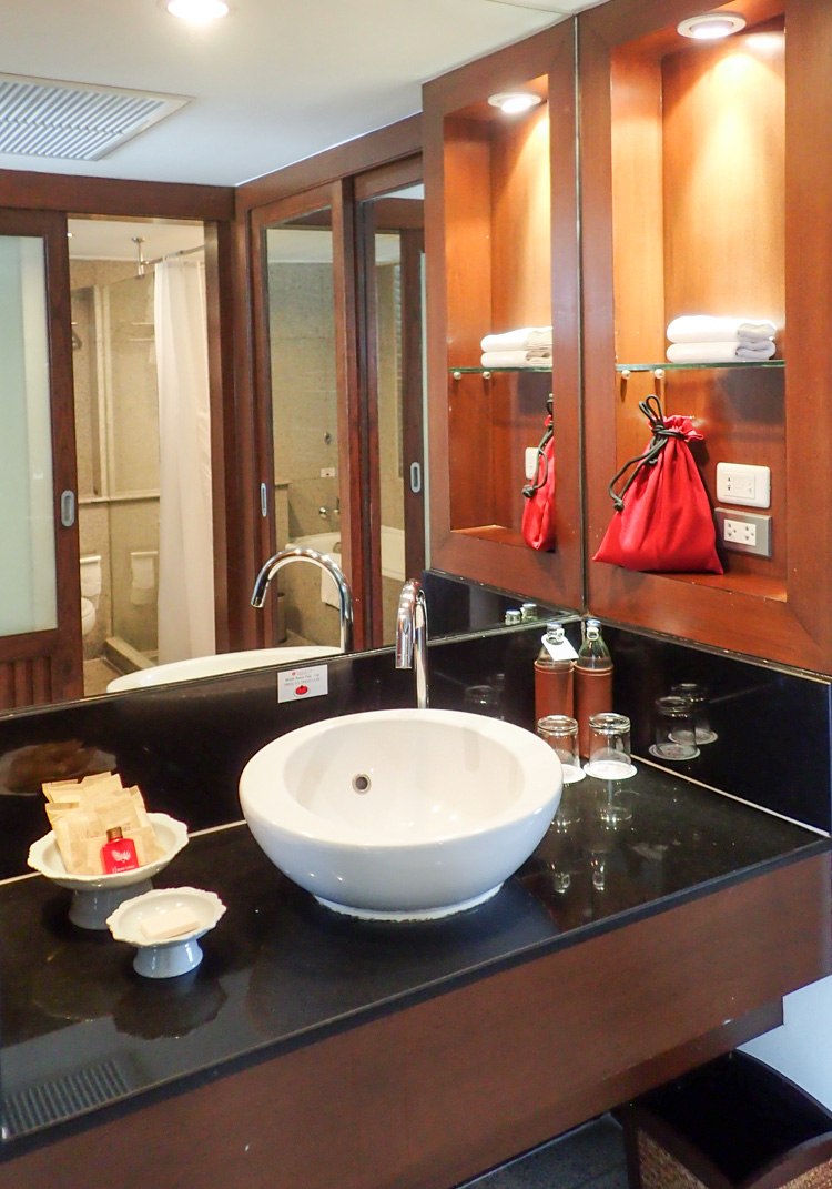 Ramada Bangkok Executive Suite Bathroom Amenities