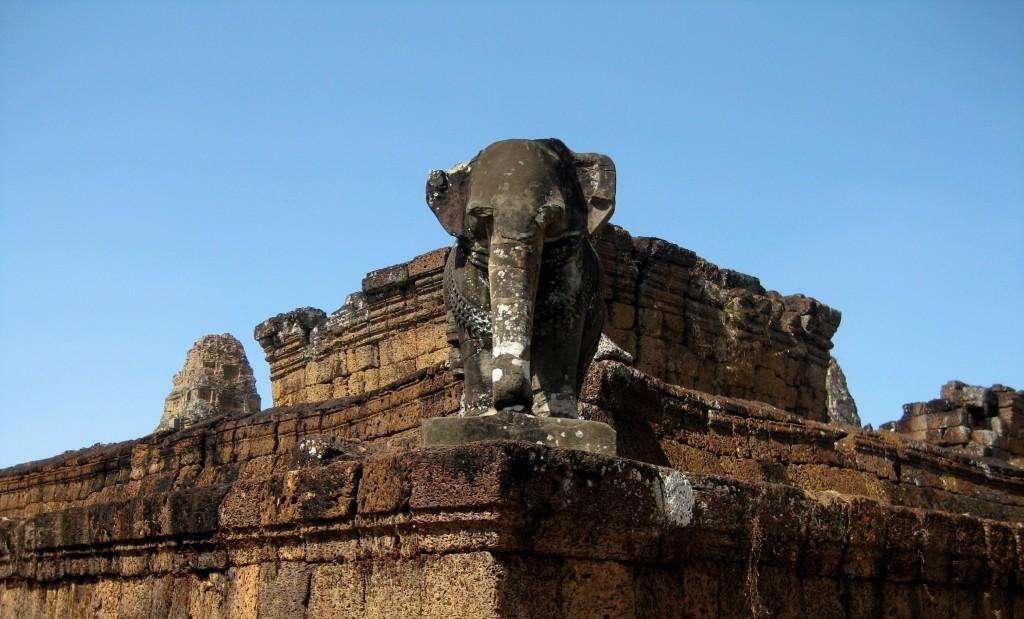 East Mebon mit seinen Elefanten-Statuen ist auf jeden Fall einen Besuch wert, wenn du mehr als einen Tag in Siem Reap verbringst