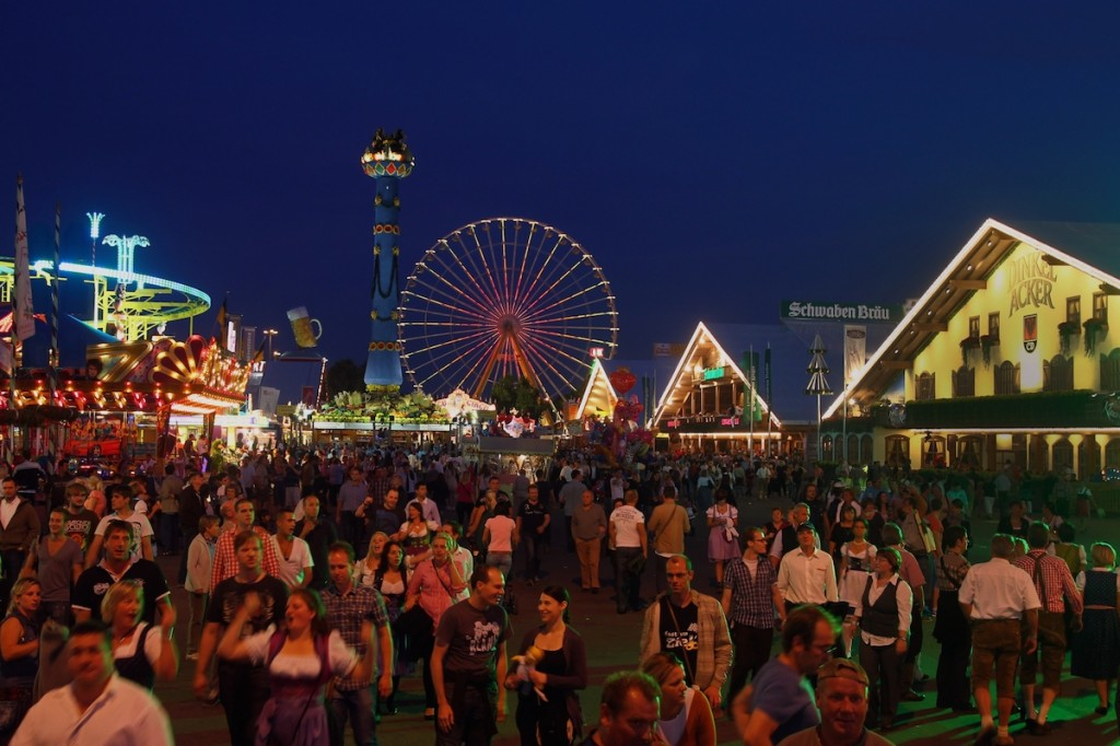 Cannstatter Volksfest by Night