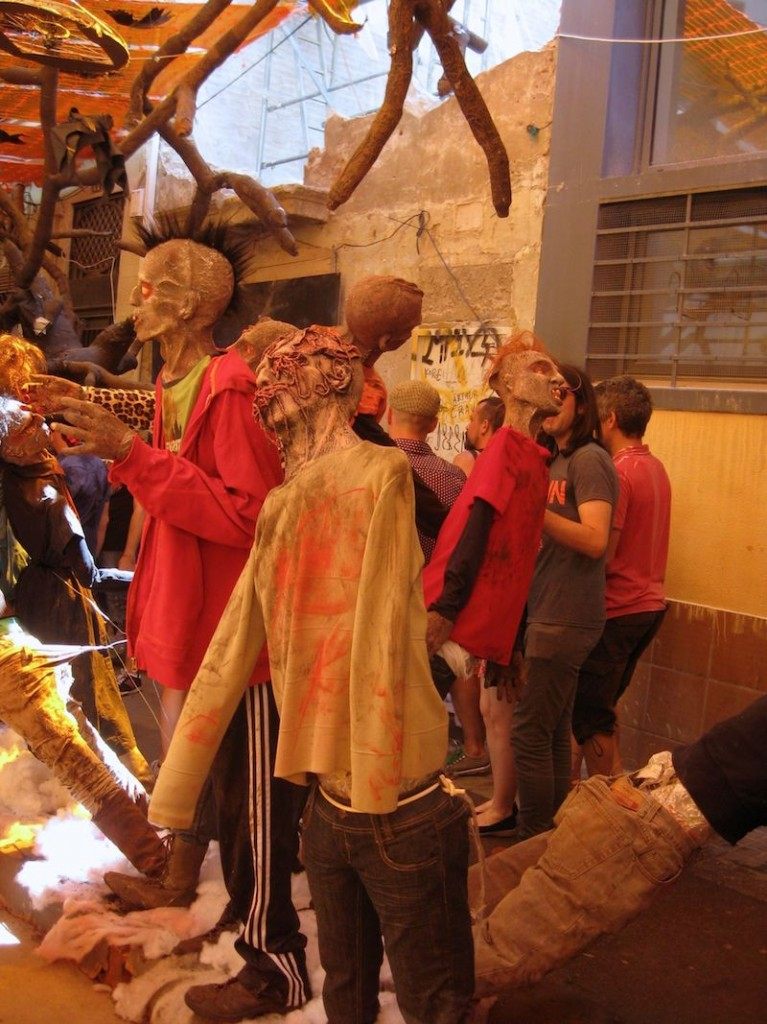 Festa Major de Gracia Carrer Progres Zombies