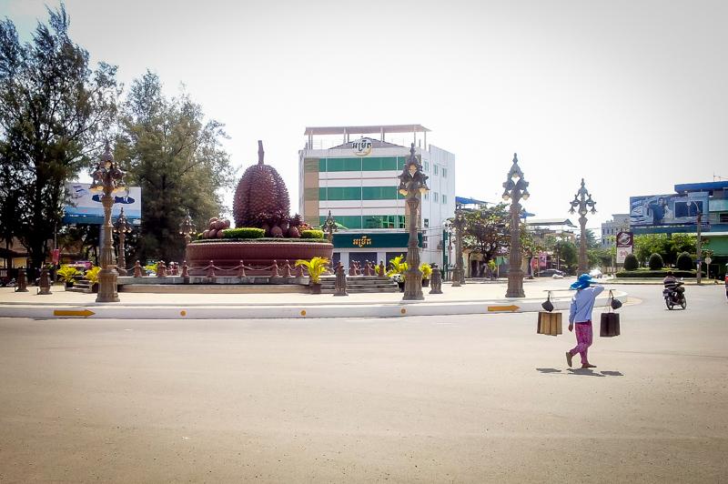 Kampot's berühmte Durian-Statue