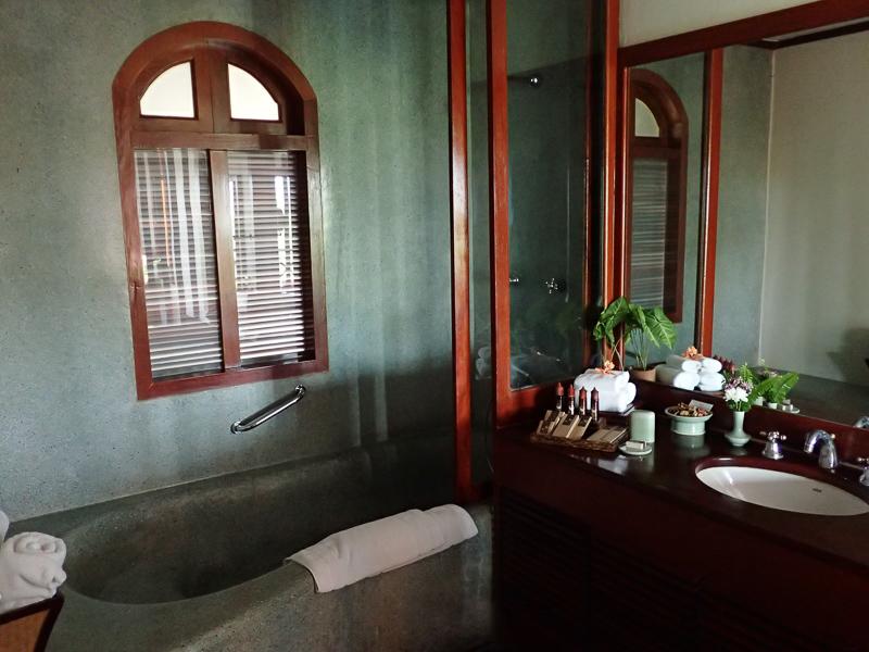 Belmond La Residence Phu Vao Bath Tub