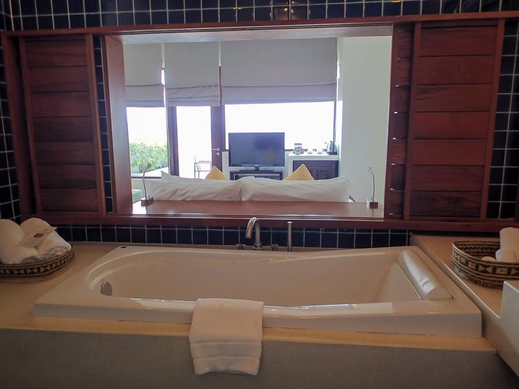 Luang Prabang View Hotel Bathtub