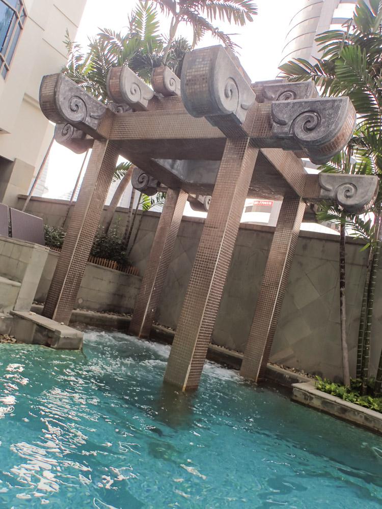Majestic Grande Bangkok Jacuzzi Pool