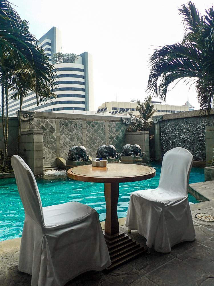 Majestic Hotel Bangkok Poolside Dining