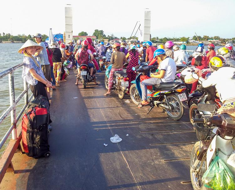Die Fähre von Vinh Long zur An Binh Insel