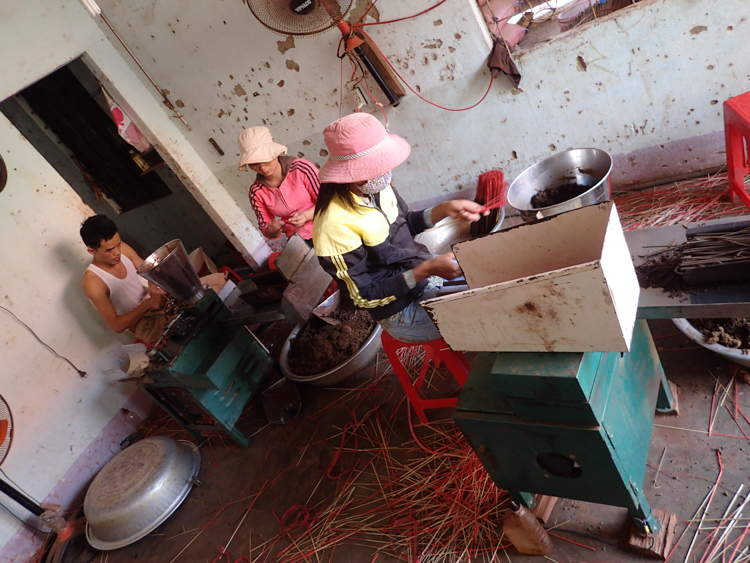 Insense sticks in production in Vietnam