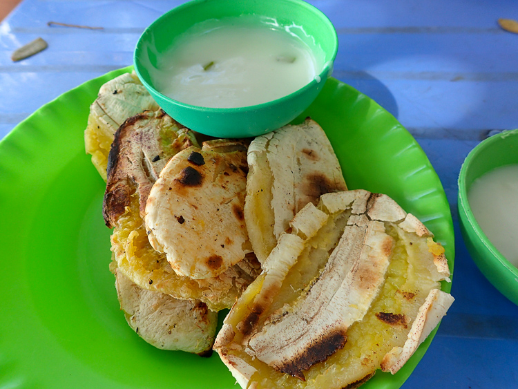 Grilled Bananas with Coconut Dip